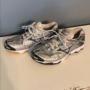 Mizuno women's volleyball shoes 7